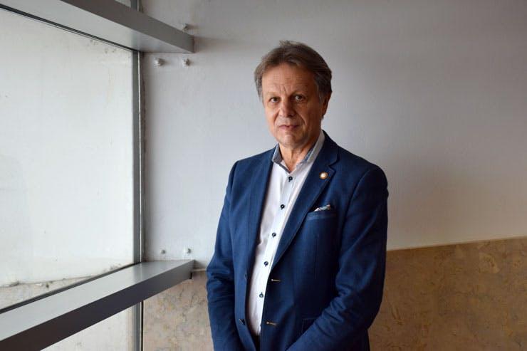 Dr. Vincent Maida
