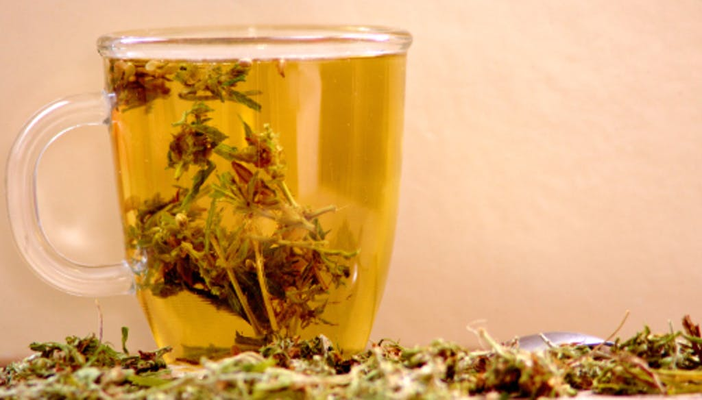 El té de cannabis puede producir un tipo de viaje distinto al de la fumata. (Shutterstock)